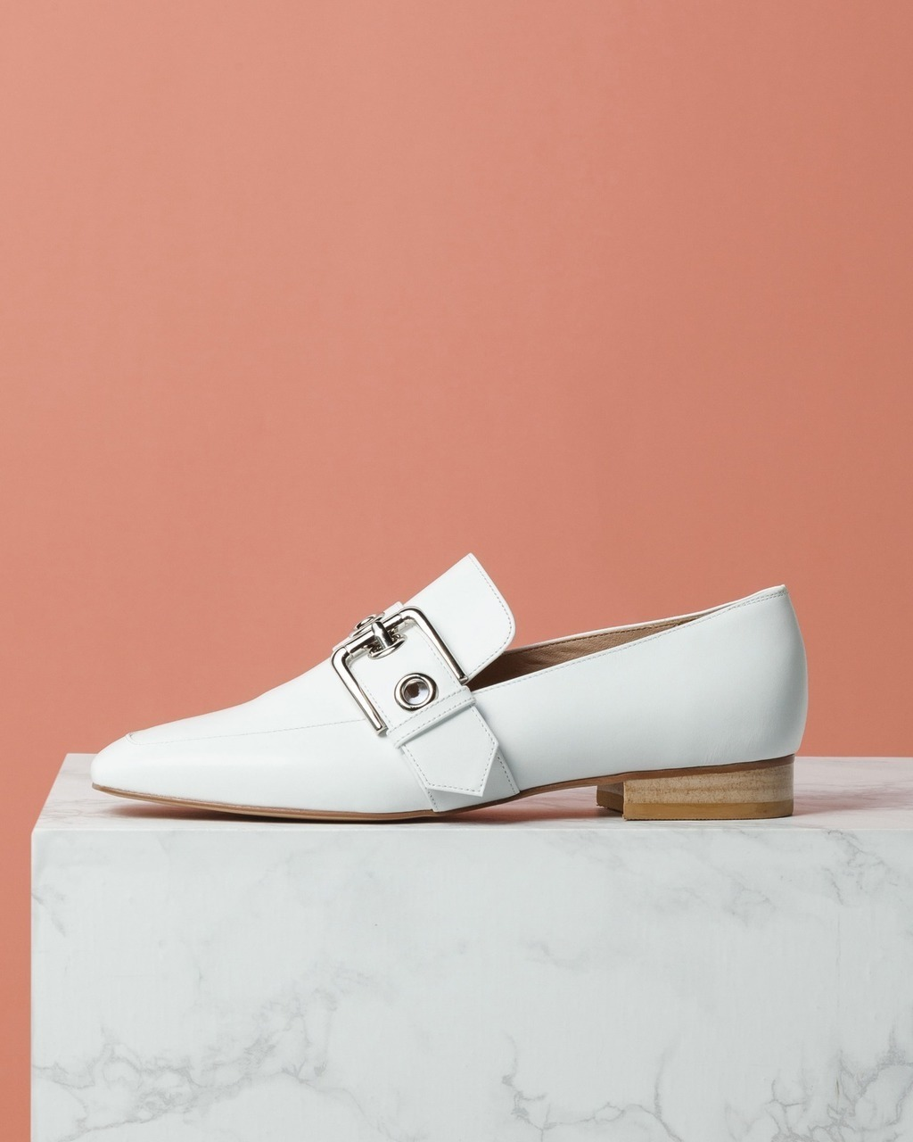 DORATORE Niko White - Women's Shoes : Republic of Korea